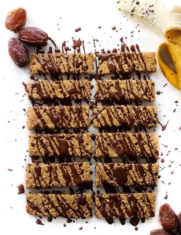 Banana and Date Granola Bars | GF & Vegan | www.asaucykitchen.com