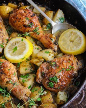Crispy Skillet Chicken In White Wine Sauce