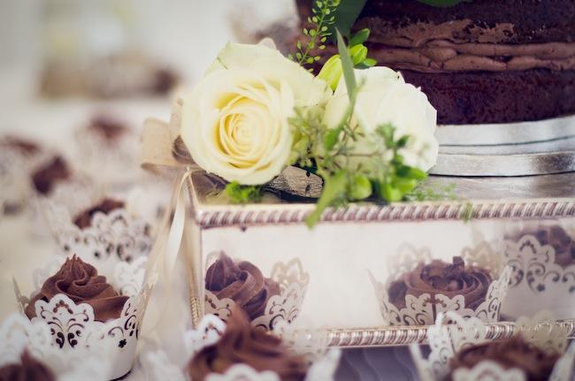Wedding Cupakes::Gluten Free Chocolate Cake | asaucykithen.com