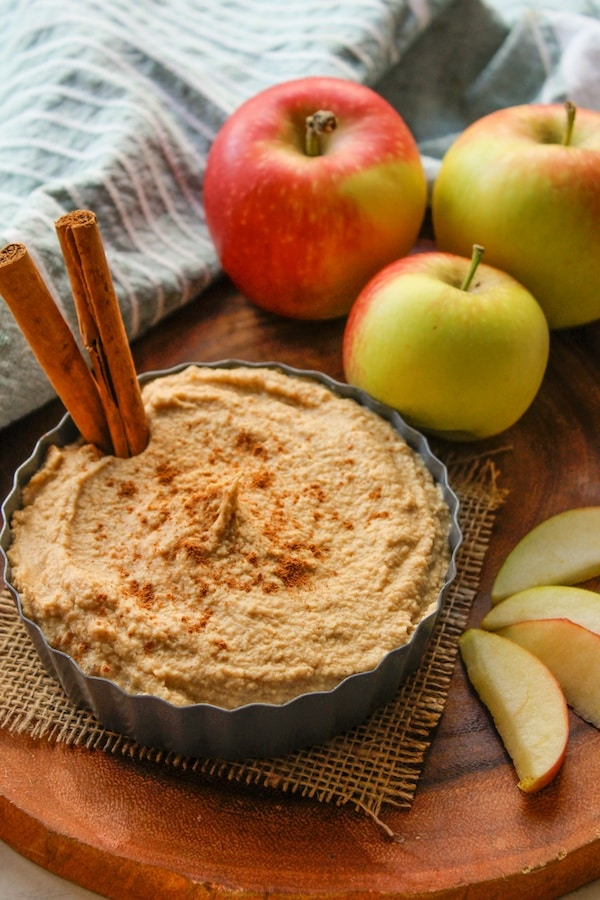 Apple Spiced Hummus | www.asaucykitchen.com