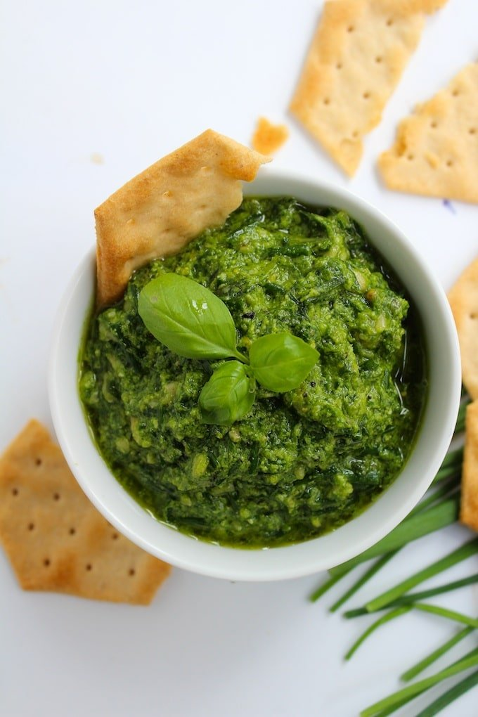 Low FODMAP Pesto with Chives| www.asaucykitchen.com