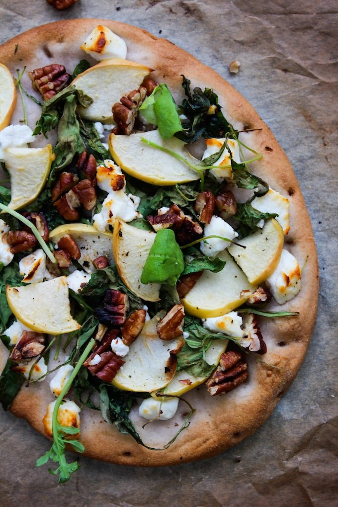 Arugula Apple & Goats Cheese Flatbread | www.asaucykitchen.com