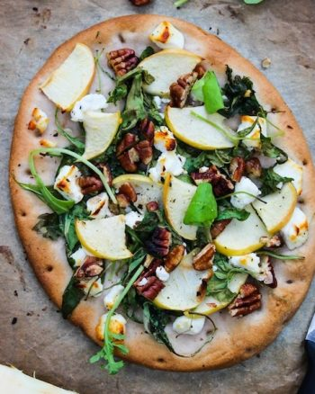 Arugula Apple and Goat Cheese Flatbread | www.asaucykitchen.com