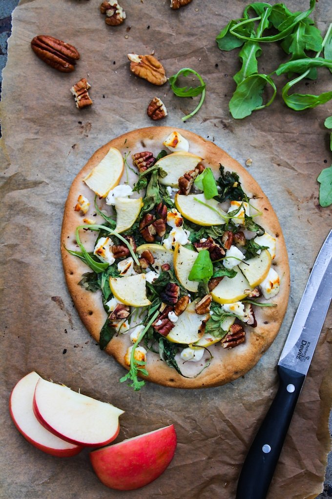 Arugula Apple and Goats Cheese Flatbread | www.asaucykitchen.com