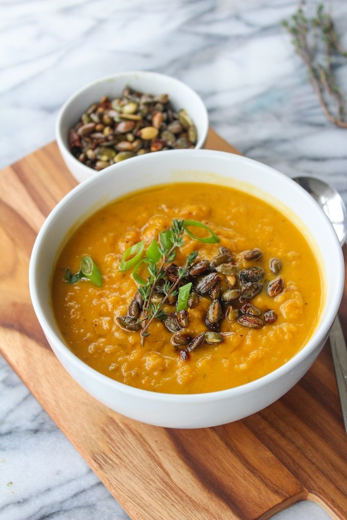 Sweet Potato Leek Soup topped with Spicy Toasted Pumpkin Seeds: a veggie filled, warming winter soup