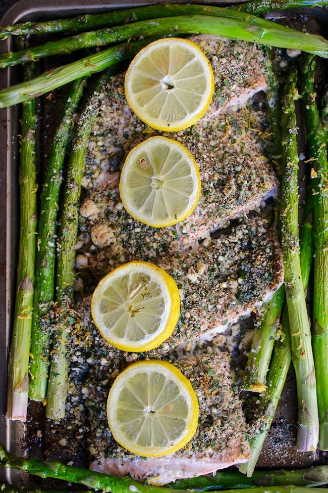 almond herb salmon topped with lemon slices