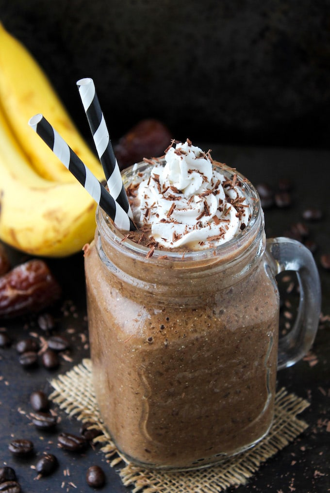 Chocolate Coffee Smoothie | Naturally sweetened with banana and dates | paleo & vegan