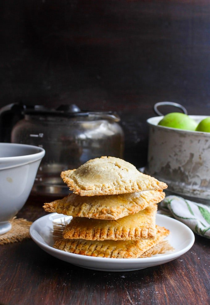 Apple Cinnamon Homemade Pop Tarts made with a grain free almond flour dough and naturally sweetened |
