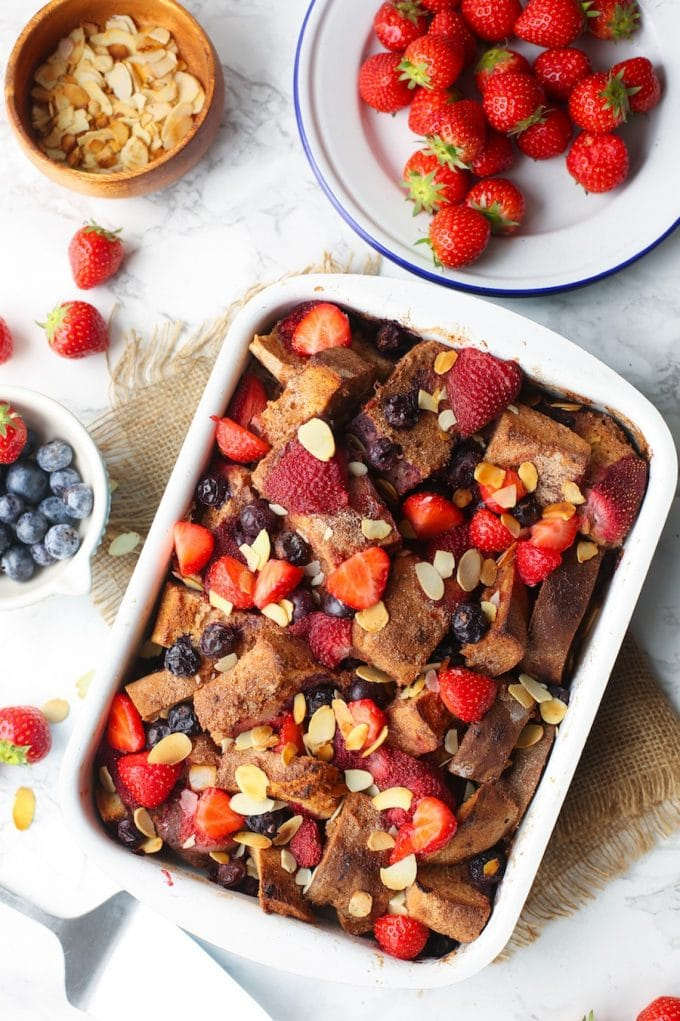 Berry and banana filled Aquafaba French Toast Casserole - an egg & dairy free twist that everyone will love! Prep this over night for an impressive but easy breakfast/brunch! Gluten Free + Vegan
