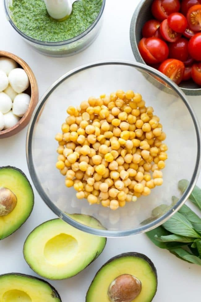 Avocado Chickpea Pesto Salad - chickpeas in a bowl