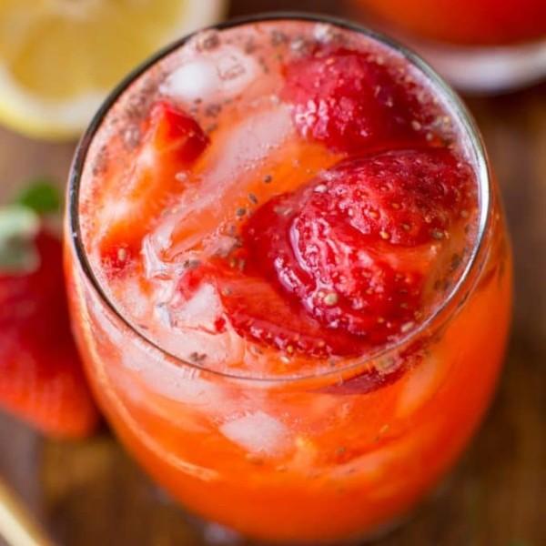 Paleo Chia Seed Strawberry Lemonade