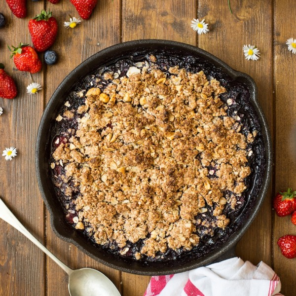 Peanut Butter Berry Crumble