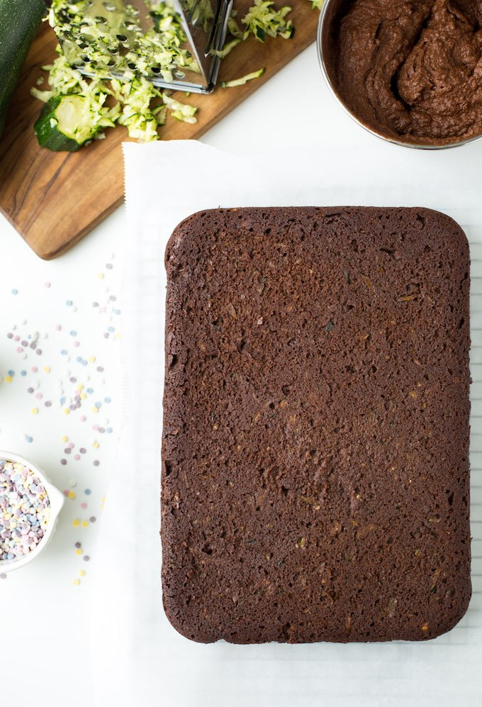 Super rich and fudgy, Paleo Chocolate Zucchini Cake made in one bowl! Grain Free + Vegan + Nut Free Option