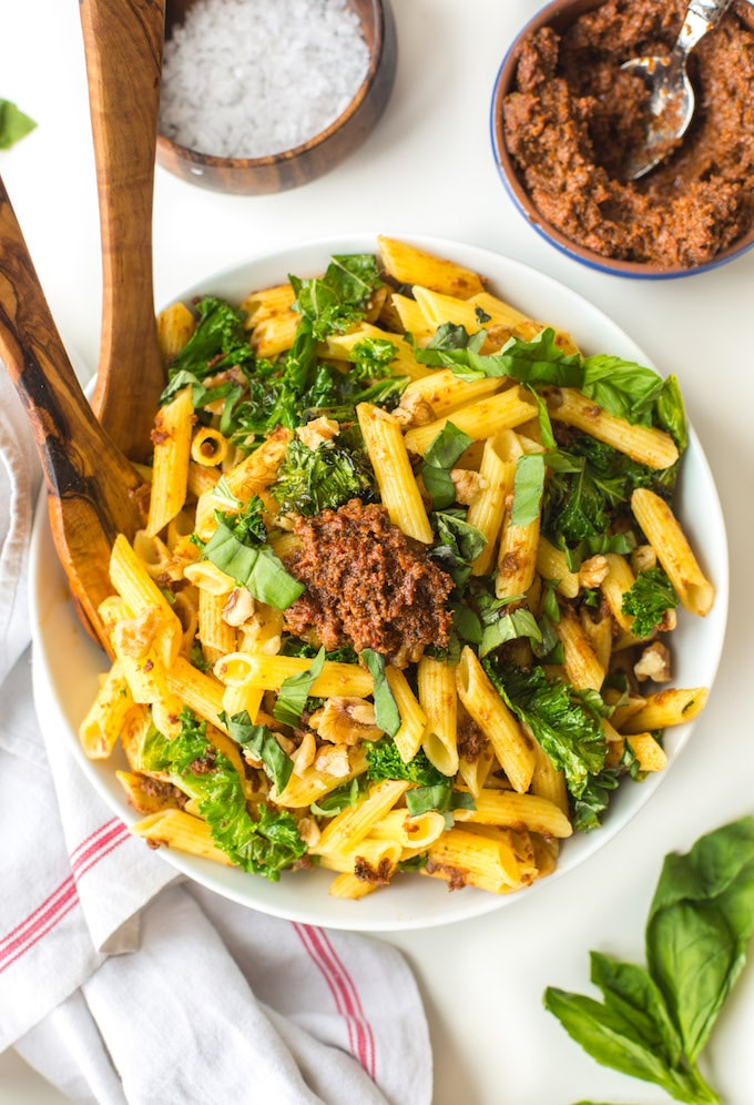 10 Ingredient Sun Dried Tomato Pesto Pasta with crispy, sautéed kale and walnuts | Gluten Free + Vegan