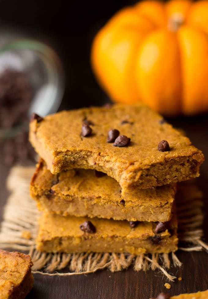 Soft & chewy Chickpea Pumpkin Blondies - Only one bowl + eight ingredients needed to make these easy, fall snacks! | Gluten Free + Vegan
