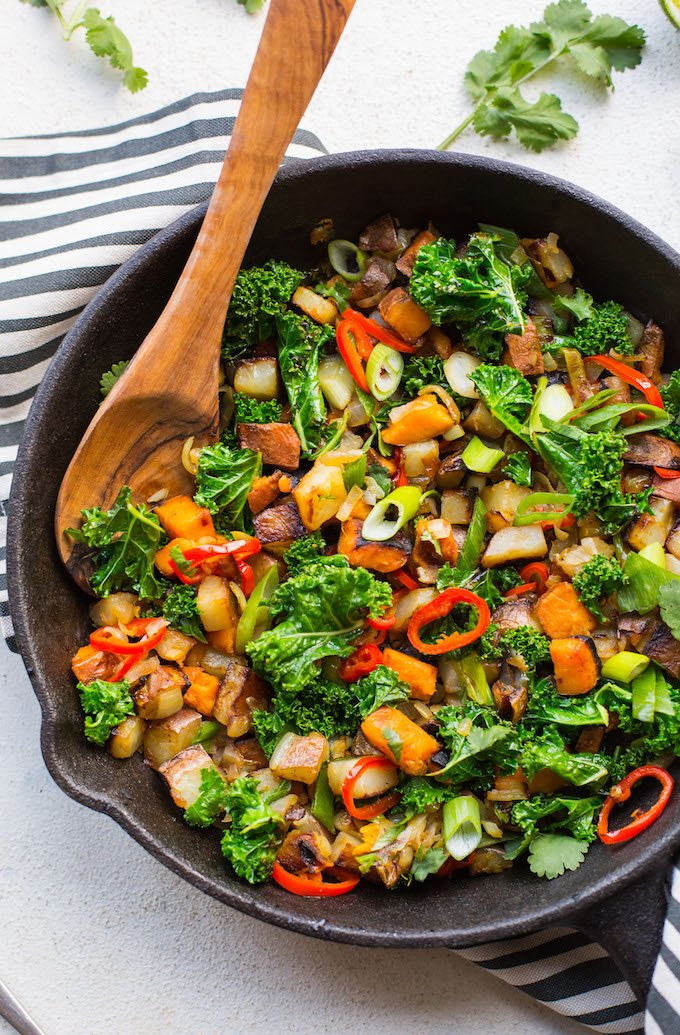 Spicy Kale Potato Breakfast Hash - a bright, medley of veggies and spices making for a delicious, egg-free + Whole30 friendly breakfast skillet that's anything but boring! | Paleo + Vegan