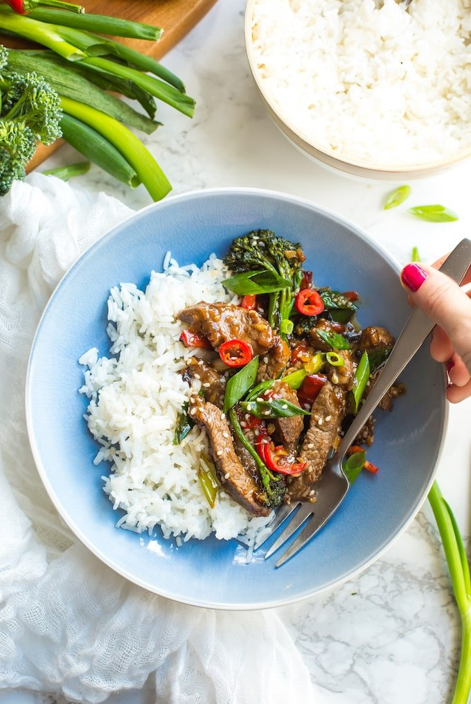 Paleo Beef Stir Fry in a bowl with rice #glutenfree + #paleo
