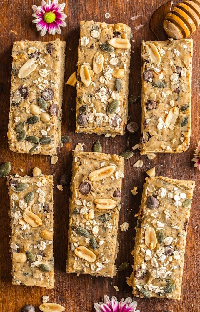 Peanut Butter No Bake Granola Bars cut into 6 bars with chopped peanuts, pepitas and oats #glutenfree #vegan