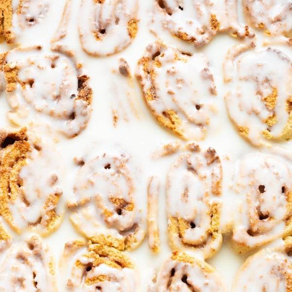 gluten free cinnamon rolls with icing