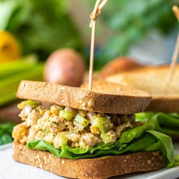 Smashed-Chickpea-Salad-Sandwich on a platter