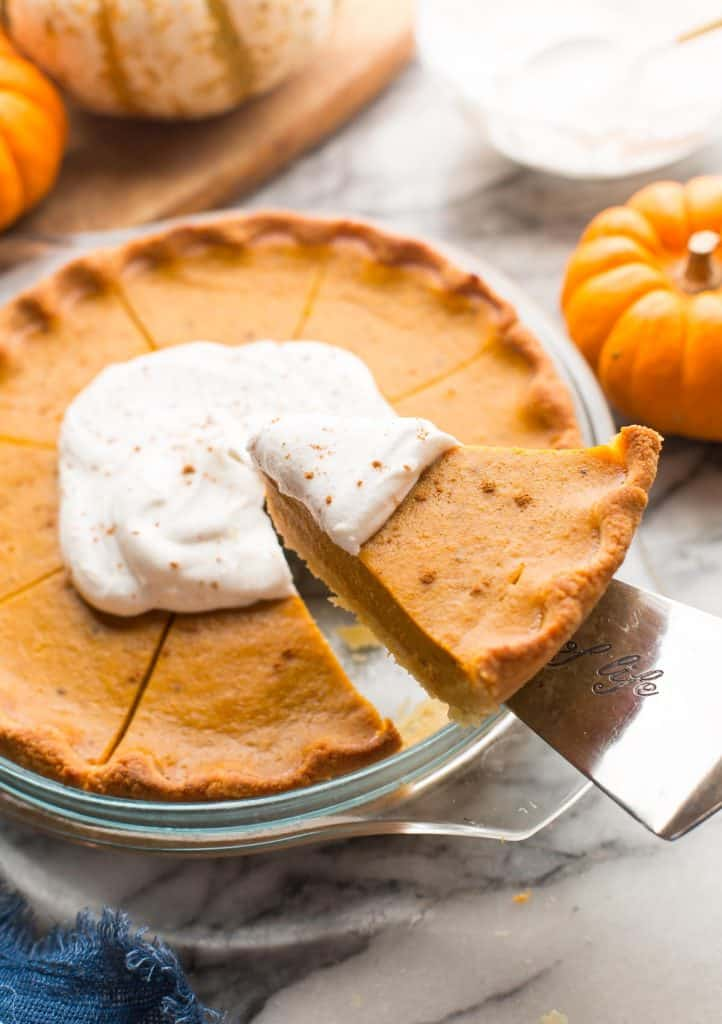 spatula pick up slice of Paleo Pumpkin Pie