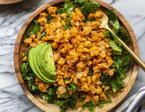 10 Minutes Smashed Chickpea 'Scramble'