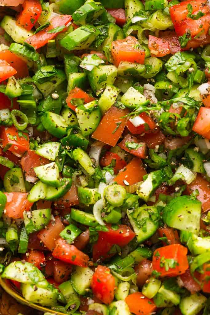 up close picture of (Salad-e Shirazi) mixed together